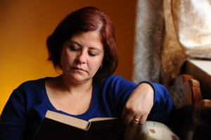 woman-reading-at-home-1428663